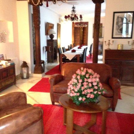 Riad Alma: salon cheminée
