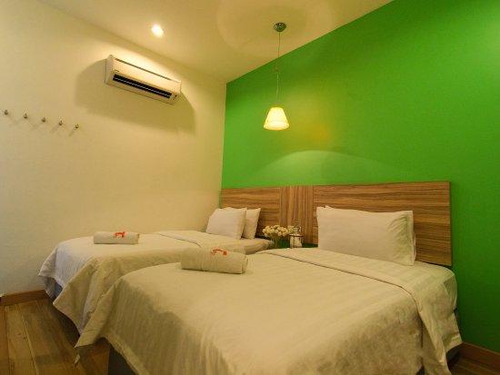 T hotel tandop bewertungen fotos preisvergleich alor for Media room guest bedroom