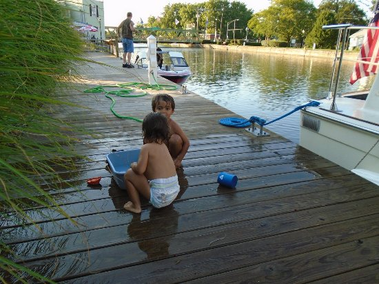 Spencerport, estado de Nueva York: Free dock on the Erie Canal with free electricity and water.