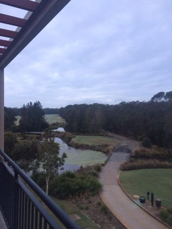 Wyong, Australia: View to the 10th tee