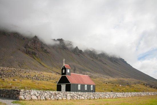 Latrabjarg, Island: Kirche am Raudasandur Beach