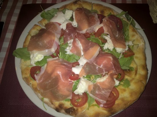 Bar Italiano - Pizzeria : REGINA MARGHERITA! OTTIMA !!