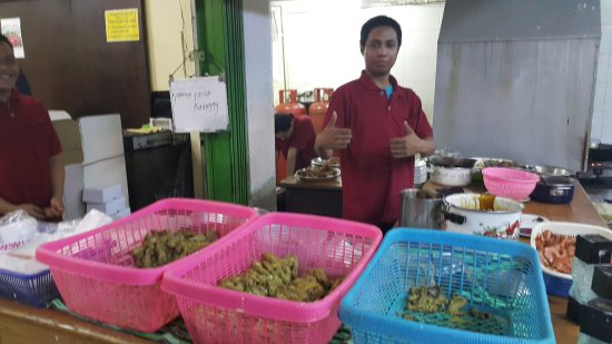 Ayam Goreng President: One of the chefs at the entrance