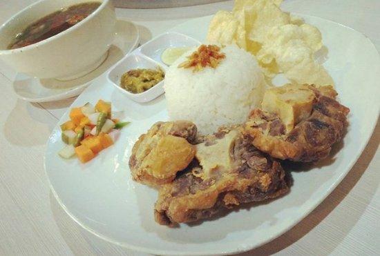 Cilegon, Indonésia: Fried oxtail