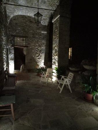 Ferriere, Italie : Corte interna