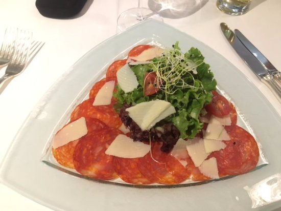 Sugiez, สวิตเซอร์แลนด์: Taste sensation of chorizo and parmesan
