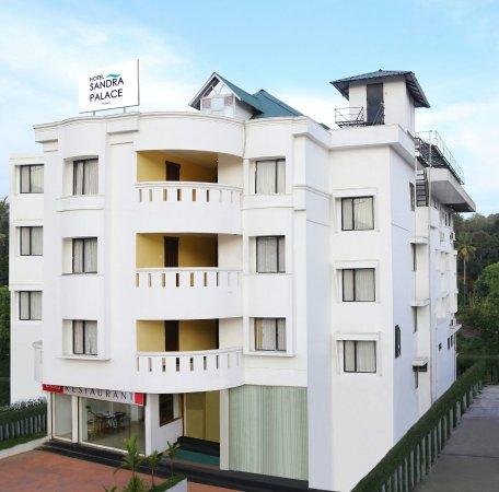 Hotel Sandra Palace: Hotel exterior