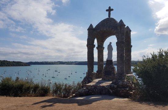 Ille-et-Vilaine, França: A Saint-Suliac en Ille-et-Villaine, l'oratoire de Grainfollet