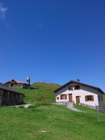 Colonno, إيطاليا: Casetta ristrutturata con gli alloggi
