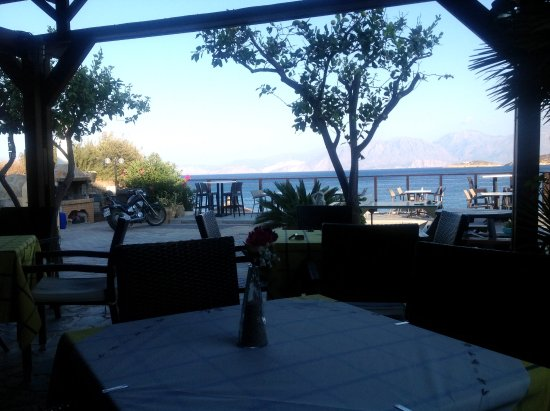 Lasithi Mesa, Grecia: View from dining area and bar amazing