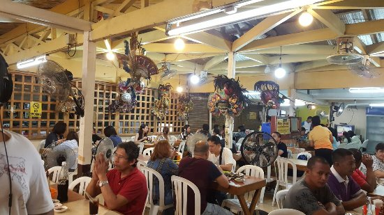 Nena's Beth at Manokan Country: One of the restos in Manokan country