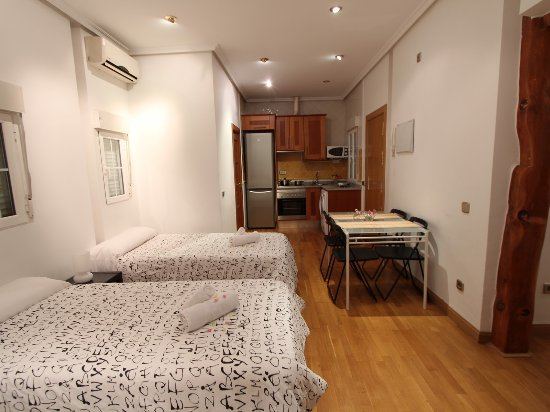 Good stay prado prices apartment reviews madrid for Madrid appart hotel