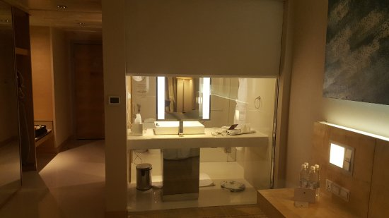DoubleTree By Hilton Hotel Kuala Lumpur: The Clear Glass Wall Between The  Bedroom And The