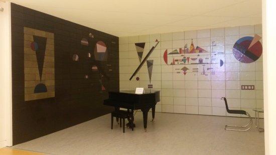 Musée d'Art moderne et contemporain : Musikzimmer von Kandinsky 2
