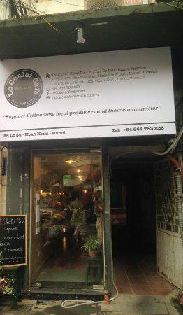 Le Chalet Cafe