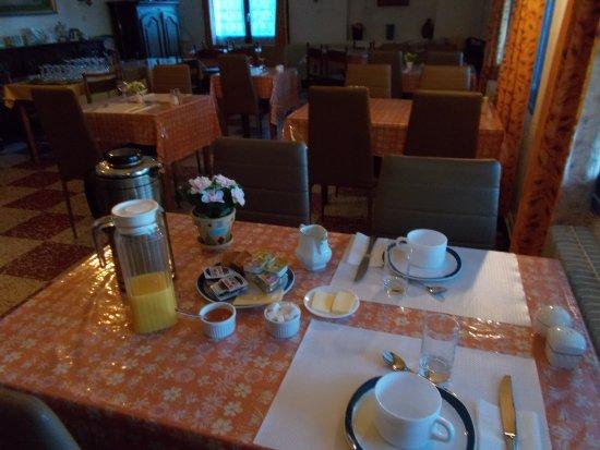 Gagnieres, ฝรั่งเศส: petit déjeuner