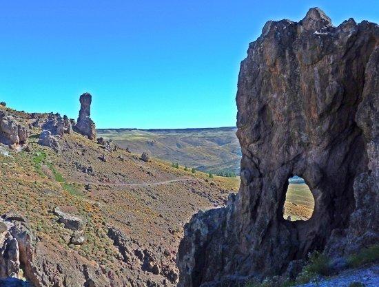 Alumine, Argentinië: Cuevas de Pilolil