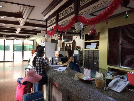 Siam Star Hotel: Friendly Lobby