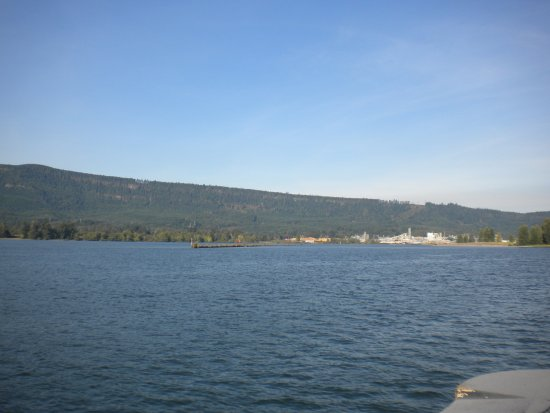 Cathlamet, Etat de Washington : view from the ferry
