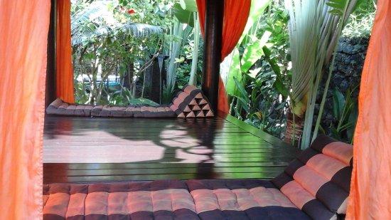 Tropical Bali Hotel: Pavillon de massage