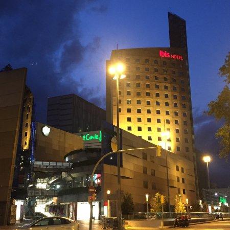 Vista do quarto foto di ibis barcelona meridiana for Migliori hotel barcellona