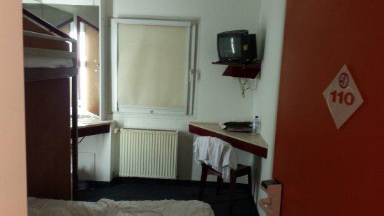 motel 24h cologne 2 tripadvisor. Black Bedroom Furniture Sets. Home Design Ideas