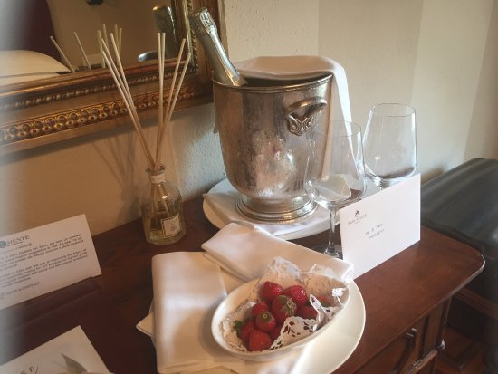Hotel Borgo San Felice: photo0.jpg