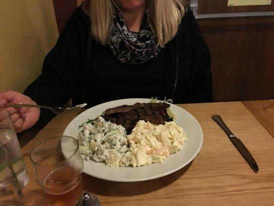 Culloden Moor Inn: Spicy Beef Salad