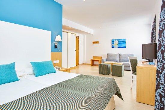 Universal Hotel Marques: superior room