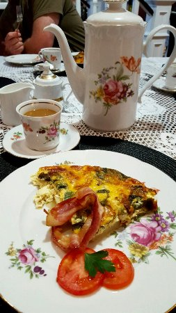 Driftwood Heights B & B: One of the most delicious breakfasts ever !