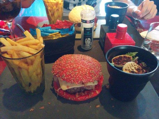 Fusion Cafe : Menu hamburguesa