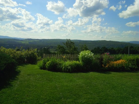 Lyndonville, VT: View off rear dinning patio