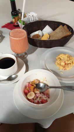 San Lorenzo de Flores, Costa Rica: Super delicy, fresh and healthy breakfast!