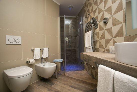 Hotel Abano Verdi Terme: Delux Bathroom