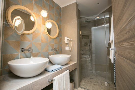 Hotel Abano Verdi Terme: Junior Suite Delux Bathroom