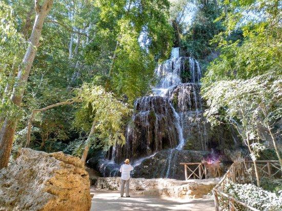 Paracuellos de Jiloca, España: Cascada, Monasterio de piedra