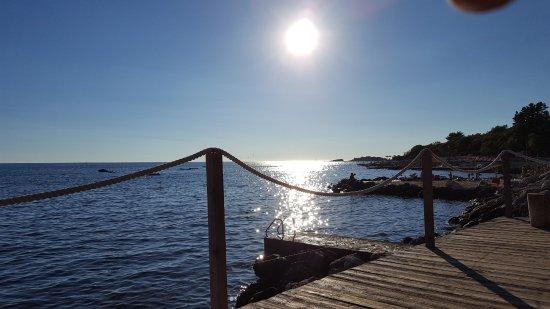 Camping Bijela Uvala: Gegen Abend von der Bungee Bar aus...