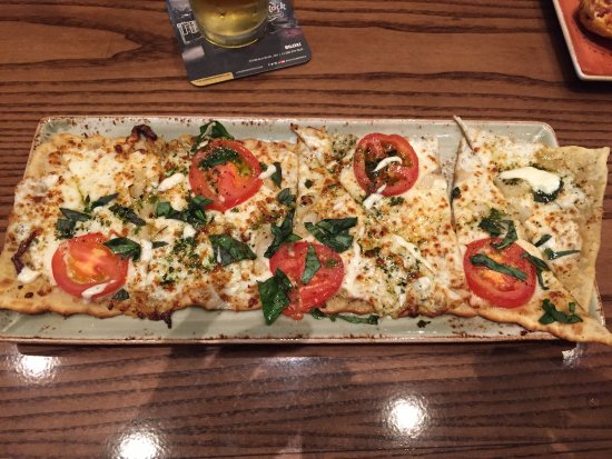 Hard Rock Cafe Margherita Flatbread