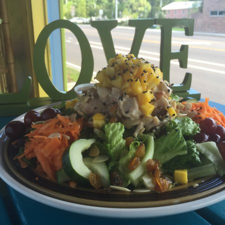 Cafe C : Tango Chicken Salad