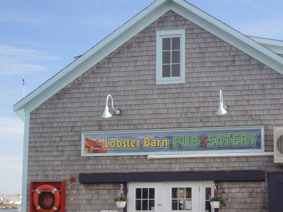 Lobster Barn Pub and Eatery: Outside view of Lobster Barn