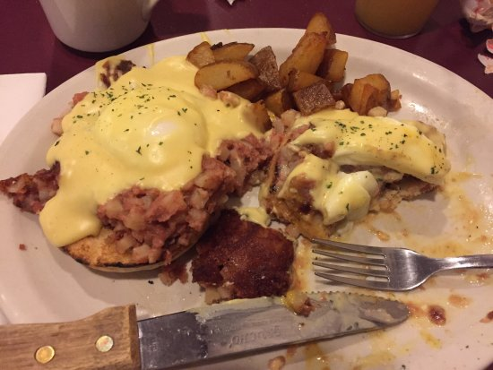 Beefside: Delicious Irish Benedict! That hollandaise, though.