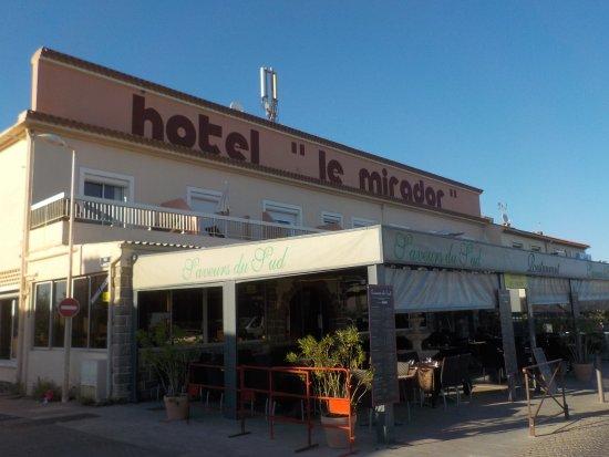Suite Junior Nu00b010 Vue sur la mer - Photo de Hotel le ...