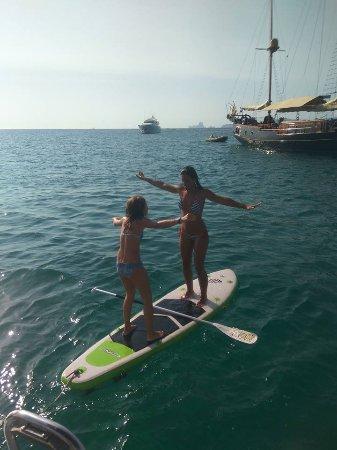 navega por ibiza diversin en la tabla de paddle surf
