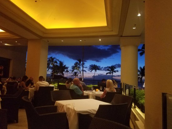 Sunset at Spago - most seats have a great sunset view!