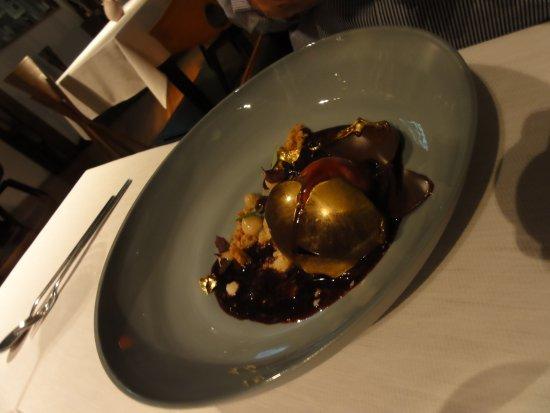 EssZimmer   Fine Dining Restaurant In Der BMW Welt: Herzkirsche Araguani /  Créme Riche