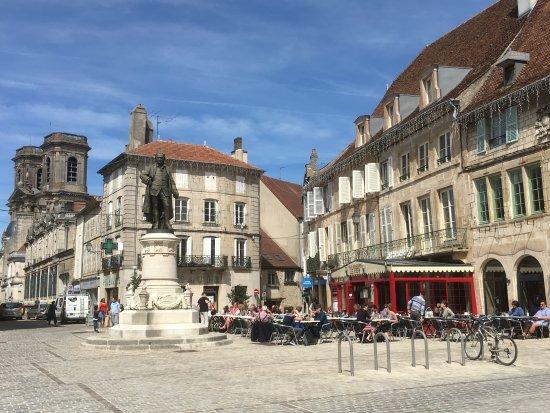 Cafe de Foy: LE FOY PLACE DIDEROT LANGRES