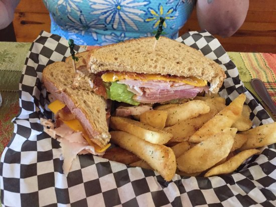 Holly Springs, MS: Club sandwich with fries