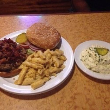 Yo-Mama's Bar and Grill : photo1.jpg