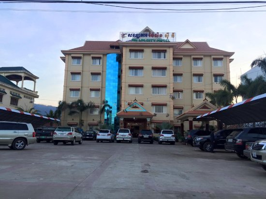Pailin, Cambodge : Front of Hotel