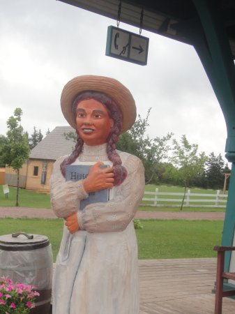 Avonlea Village: Statue, aka Scary Anne of Green Gables